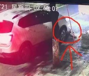 严重了!德保一司机醉驾上路,回到家后妻子发现车底竟卡着一具尸体